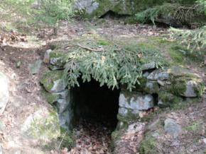Ett av Dackes gömställen