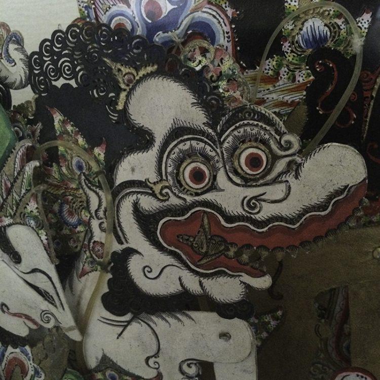 Wayanga-figur (detalj) skuggteaterfigur från museum i Djakarta, Indonesien