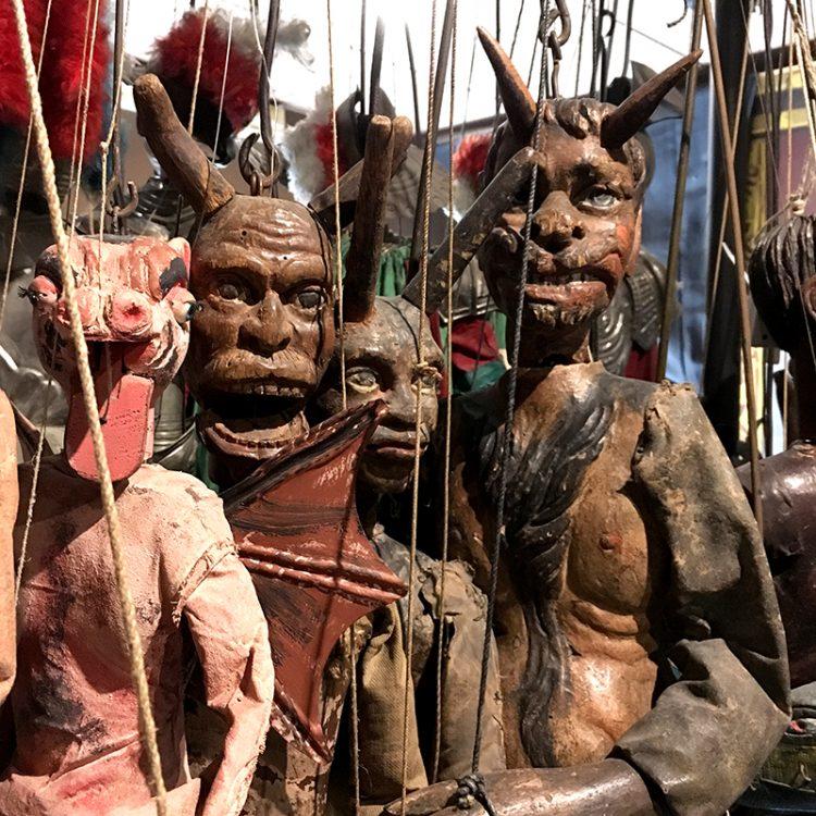 Marionetter från museum i Palermo, Sicilien